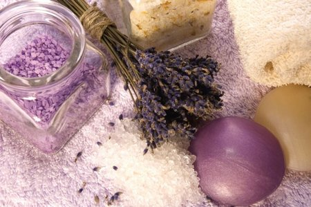 Lavender Essential Oil For A Household Use - www.tidyhouse.info