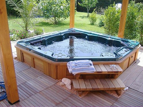 canada softub tub surround rattan poly soft