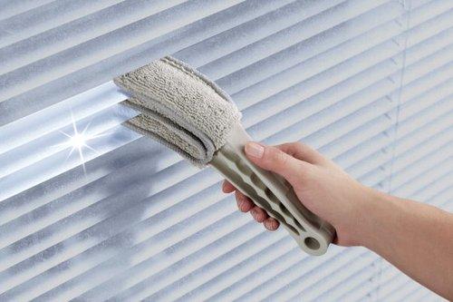 cleaning a wood blinds. Black Bedroom Furniture Sets. Home Design Ideas