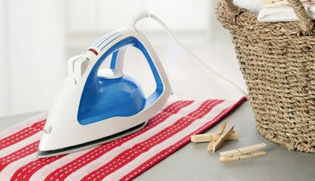 how to clean your iron with toothpaste