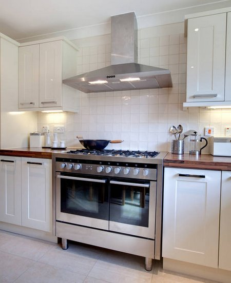Kitchen ventilation kitchen exhaust system for Best kitchen exhaust system
