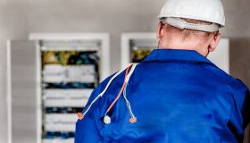 3 Tips to hiring an electrician on a budget